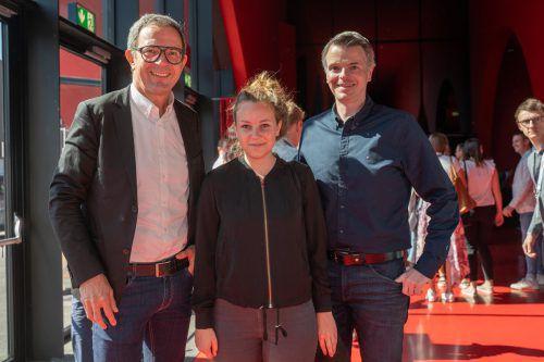 Prisma-Vorstand Bernhard Ölz (l.) sowie Anja Burtscher und Alexander Frischmann.