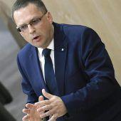 Volkspartei beharrt auf ein Verbot der Identitären