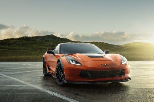 Strengere Abgasgrenzwerte machen den US-Sportwagen Corvette und Chevrolet Camaro in der EU den Garaus. Die beiden GM-Modelle sind nur noch bis Ende August verfügbar und zulassungsfähig, da sie den ab September geltenden Vorgaben der Norm Euro 6d-temp nicht genügen. Eine Anpassung der Motoren lohnt sich angesichts des geringen Marktanteils in Europa nicht.
