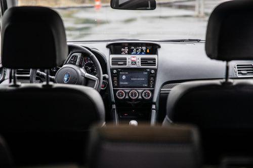 Subaru geht beim Forester keine Experimente ein: In ausgeprägter Formgebung signalisiert der robuste Geländegänger seine Alltagstauglichkeit.VN/Sams