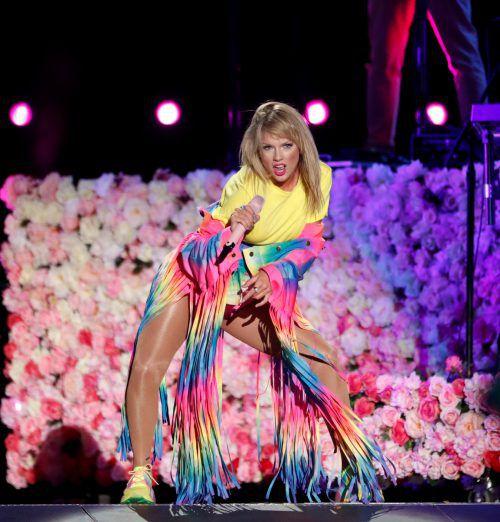 Taylor Swift begeisterte ihre Fans mit einem Überraschungsauftritt. Reuters