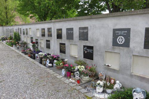 Urnengräber am Friedhof Haselstauden.lag