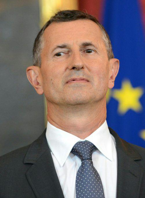 Verteidigungsminister Starlinger erhält Gegenwind aus dem Nationalrat.APA