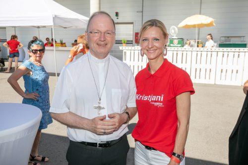 Vorarlbergs Bischof Benno Elbs und Kris Balasko (Russmedia Digital).
