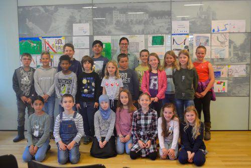 Zahlreiche Rankweiler Schüler besuchten im Rahmen der Kinderkonferenz Bürgermeisterin Katharina Wöß-Krall. gemeinde