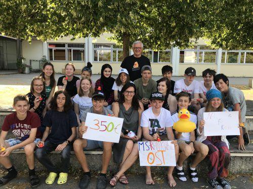 350 Euro sammelte die 4b der Mittelschule Rankweil Ost für die Aktion Netz für Kinder.verein