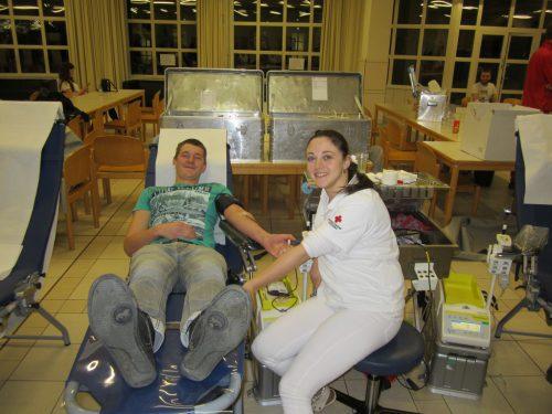 96 Blutkonserven wurden in Silbertal abgenommen.Blutspendedienst Fedlkirch