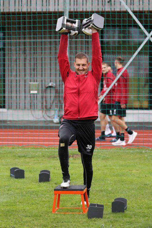 Alles im Griff: Andreas Lukse hat sich an die Trainingsgegebenheiten beim 1. FC Nürnberg schon gewöhnt und das erste Spiel bereits absolviert.Zink