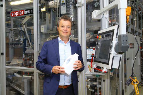"""Alpla-CEO Günther Lehner: """"Wir glauben an die Kreislaufwirtschaft und haben das auch vor zehn Jahren in unserer Strategie festgeschrieben.""""VN/Hb"""
