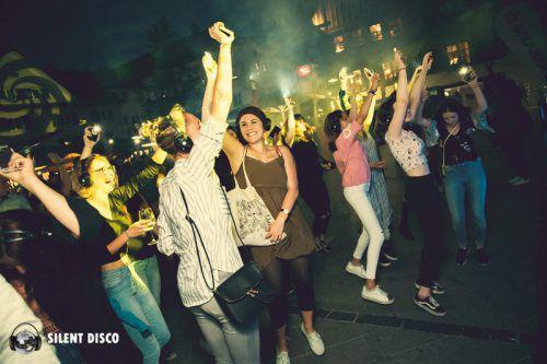 Am Dornbirner Marktplatz findet heute die Silent Disco statt. Dornbirn Tourismus/manuel rusch