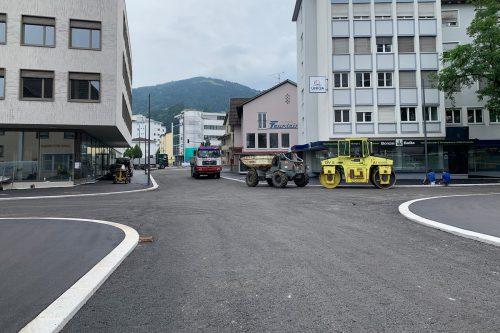 An den Straßenbaustellen wurde unter Hochdruck gearbeitet. Stadt