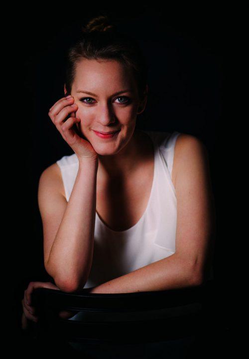 Anna Schaumlöffel verfügt über viel Auftrittserfahrung und ein breites Opernrepertoire. jo titze