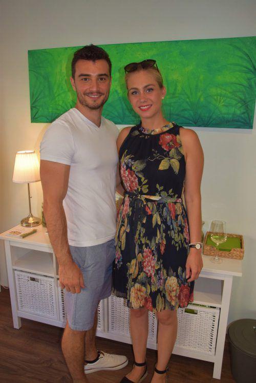 Antonio Milicevic und Julia Feurstein bei der Wiedereröffnung des Geschäfts.