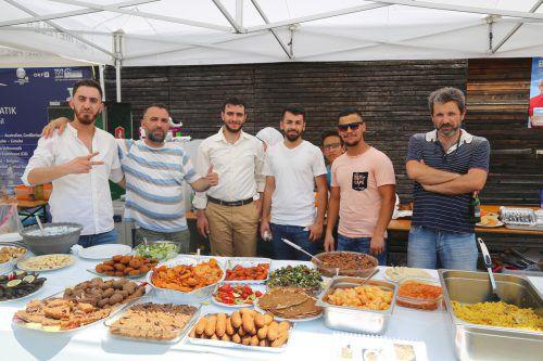 Auch der syrische Kulturverein war am diesjährigen Fest der Kulturen am Rankweiler Marktplatz vertreten. Uysal