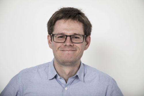Aufstrebender Jungredakteur Jakob Lorenzi (26) aus Satteins. VN/Paulitsch