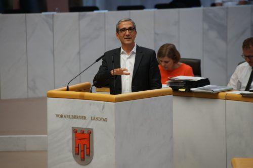 Bachmayr-Heyda sprach vor den Landtagsabgeordneten. Landtag/Bertsch