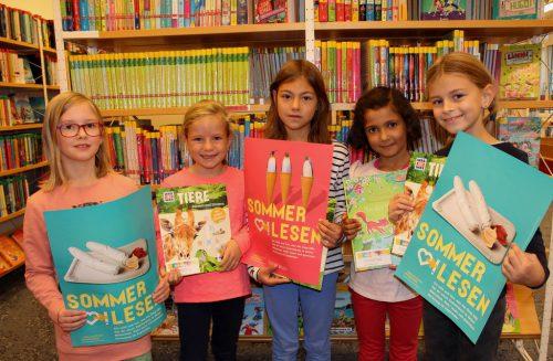 """Bei der Aktion """"Sommerlesen"""" kann man mit dem """"Sommer-Lese-Pass"""" der Bücherei-Spielothek im Lochauer Schulzentrum wieder tolle Preise gewinnen. bms"""