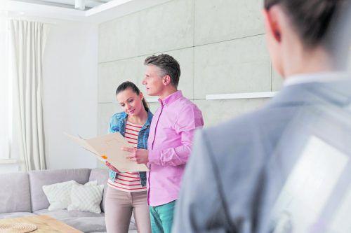 Beim Kauf einer gebrauchten Immobilie sollte fachlicher Rat nicht fehlen.foto: Shutterstock