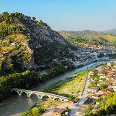 Berat: Die Stadt der 1000 Fenster