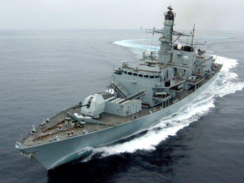 """Das britische Kriegsschiff """"HMS Montrose"""" begleitete die """"British Heritage"""" durch die Straße von Hormus. afp"""