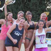 Beachvolleyball-Turnier bei sengender Hitze