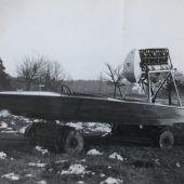 Ein Motorboot mit Luftpropeller