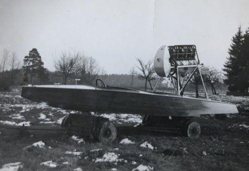 Das Luftschraubenboot kurz vor der Fertigstellung im Winter 1932/33. Kittelberger/Rupp