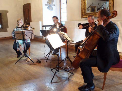Das Rodin-Quartett musizierte im Rahmen der beliebten Konzertreihe im vollbesetzten Rittersaal der Feldkircher Schattenburg. JU