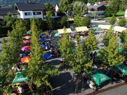 Das Wolfurter Weindorf erwartet am Samstag wieder zahlreiche Gäste. hapf