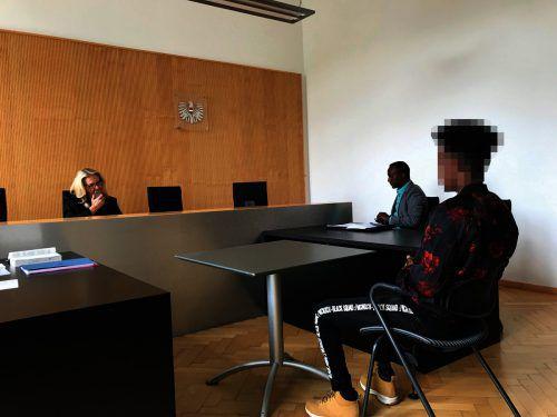 Der 21-jährige Somalier machte Bekanntschaft mit dem österreichischen Recht und findet es gar nicht gerecht. Hofer