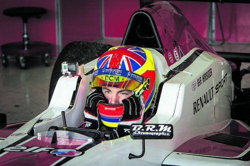 Der erste Sieger Felix Hirsiger wurde gleich vom ersten Formel-V-Sponsor Allfina unter Vertrag genommen.fV