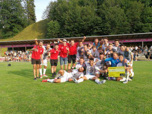 Der Jubel des FC Egg nach dem Sieg im Wäldercup-Finale über den großen Rivalen FC Bizau kannte keine Grenzen. Beer