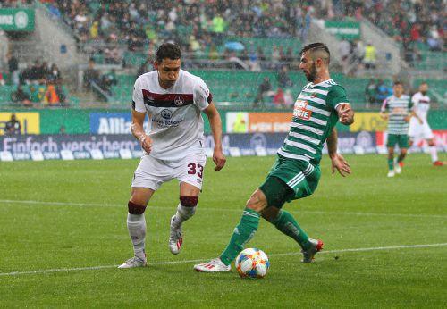 Der Montafoner Georg Margreitter (l.) im Dienste des 1. FC Nürnberg erzielte beim Testspiel gegen Rapid Wien die zwischenzeitliche 1:0-Führung.gepa