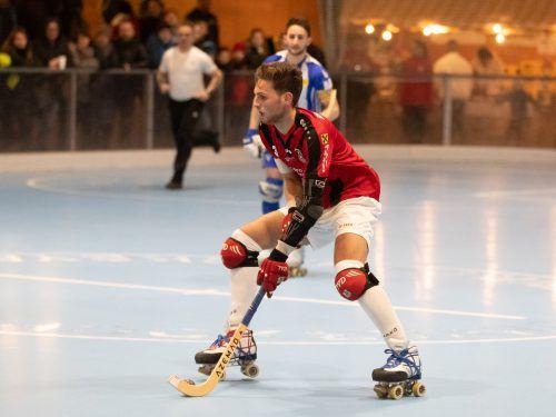 Der Wolfurter Aurel Zehrer führt als Kapitän Österreichs Rollhockeyteam bei den World Roller Games in Barcelona an.VN/Sams
