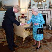 Queen ernennt Johnson zu neuem Premier