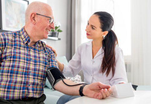 Die Analyse zeigte, dass auch der untere Wert ein guter Indikator für das Risiko eines Herzinfarkts oder Schlaganfalls ist.
