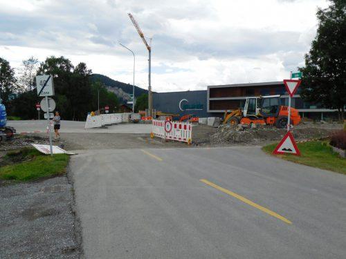 Die Arbeiten zum neuen Kreisverkehr verlaufen nach Plan.michael mäser