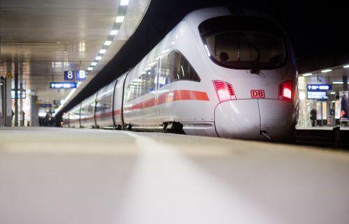 Die Deutsche Bahn will Mitarbeiter mit günstigen Wohnungen locken. APA