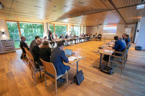 Die Diskussion der Auslandsvorarlberger mit Unternehmern und Politikern aus dem Land fand heuer im Hotel Schwärzler statt. VLK/Sams