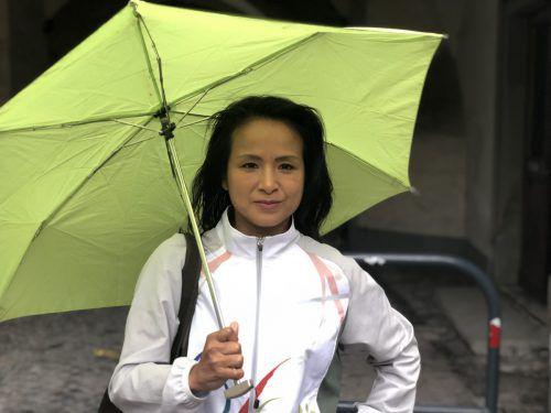 Die Feldkircherin Versell-Sera unterstützt die japanischen Teilnehmer. VN