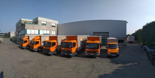 Die Firma V+V in Langenfeld verfügt über eines der größten Lager von Bau-, Messebau- und Industriekunststoffen in Deutschland.FA