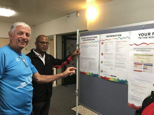 Die Gäste aus Trinidad/Tobago erhalten erste Tipps. VN/Hämmerle