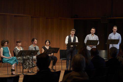 """Die jungen Sänger der Opernproduktion """"Eugen Onegin"""" der Bregenzer Festspiele stellten sich bei einem Meisterklasse-Einblick dem Publikum vor. BF/Köhler"""