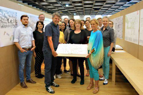 Die Jury unter dem Vorsitz von Architektin Marta Schreieck hat zwei Tage lang im Lustenauer Feuerwehrhaus getagt. Gemeinde