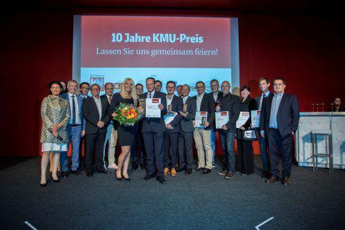 Die Kleinen auf die große Bühne: Die KMU-Preisträger des vergangenen Jahres gemeinsam bei der großen Abschlussveranstaltung im Messequartier.VN/Paulitsch