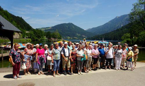 Die Seniorenbund Wallfahrtsgruppe vor dem Lunzer See.voraralberger seniorenbund