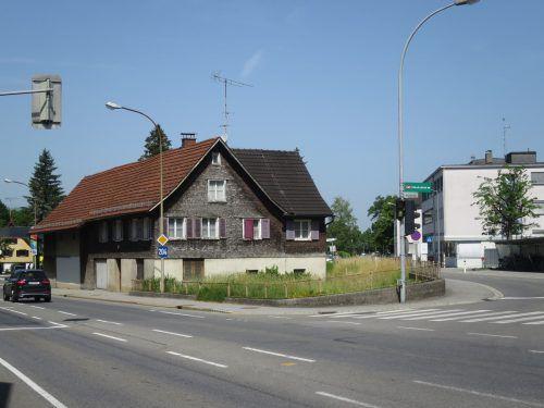 Dieses Haus in der Nähe des Stadtspitals wird abgebrochen, um Parkplätze fürs Krankenhaus zu schaffen.ha