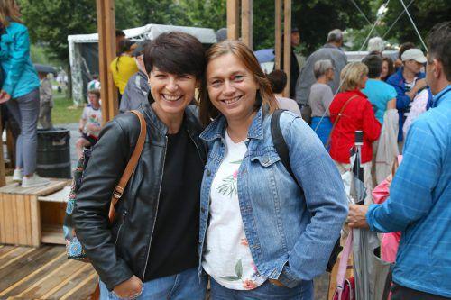 Dita und Lenka von der Delegation aus Tschechien.