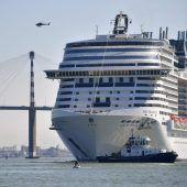 Frau von Kreuzfahrtschiff gefallen und gestorben