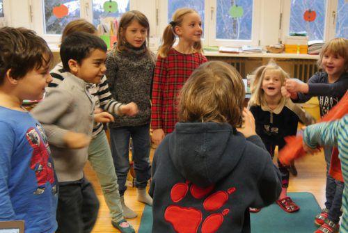 Einer der Workshops fand mit den Kindern in der Volksschule Fluh statt.